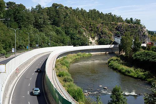 Проезд по чешским шоссе может подорожать. Чешское шоссе.  Фото: Василий Мазный  23 октября 2009