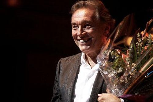 Карела Готта в 35-й раз наградили титулом «Чешский соловей». Карел Готт. Фото Roger Mahler с официального сайта певца karelgott.com  30 ноября 2009 года