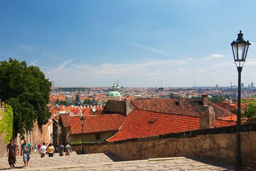Старая замковая лестница, ведущая к Пражскому Граду, снова открыта после ремонта. Старая замковая лестница до ремонта  Фото: CzechTourism  30 ноября 2009