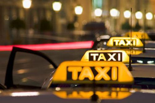 Пражские таксисты не хотят проходить аттестацию на знание города. 40% таксистов нечестны с пассажирами. Фото Bernhard Lang, Gettyimages  18 июля 2012