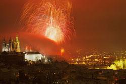 Новогодний салют в Праге состоится вечером 1 января.  Фейерверк в Праге.  Фото: CzechTourism.  30 ноября 2012