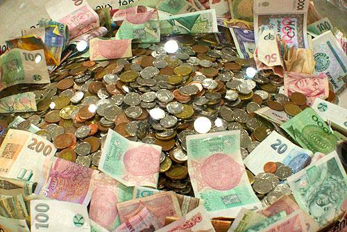 Чешские кроны подделывают в 7 раз реже, чем евро. Чешские кроны достаточно серьезно защищены от подделки  Фото: Александра Кириченко  2 марта 2010