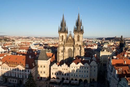 Итоги переписи-2011: 14% населения Праги приходится на иностранцев. Панорама центра Праги с Тынским храмом  Фото: Александра Кириченко  23 января 2012