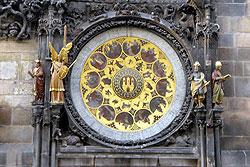 Пражские астрономические часы вновь заработали после ремонта. Фрагмент пражских курантов на Староместской ратуше  Фото: Александра Кириченко  26 апреля 2011