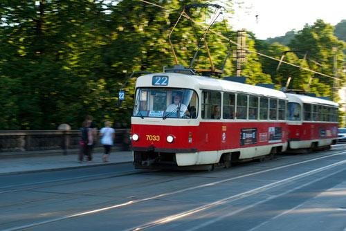 По Праге промчался бешеный трамвай без водителя. Пражский трамвай под контролем опытного водителя  Фото: Василий Мазный  16 июня 2010 года