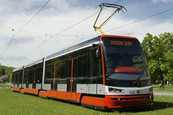 В Праге в тестовом режиме запустили новую марку современных трамваев. Трамвай Škoda 15T. Фото с сайта производителя ŠKODA TRANSPORTATION a.s.  7 октября 2010