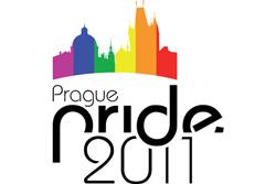 Первый пражский гей-парад собрал около 5 тысяч человек.  В Праге прошел гей-парад.  15 августа 2011