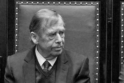 В возрасте 75 лет умер первый президент Чехии Вацлав Гавел. Первый президент Чехии, последний президент Чехословакии Вацлав Гавел  18 декабря 2011