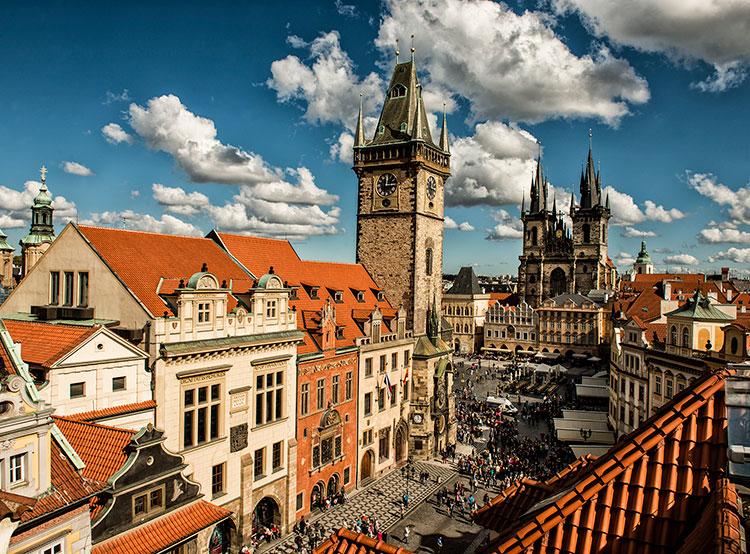 Две пражские ратуши теперь можно посетить по единому билету. Вид на Староместскую ратушу. Фото © 2018 Prague City Tourism  10 октября 2018 года