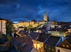 Чехия теряет российских туристов, но привлекает все больше гостей с Украины. Чешский Крумлов  Фото: CzechTourism  7 ноября 2018