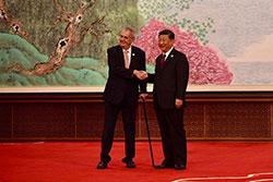 Врач чешского президента умер во время командировки в Китай. Милош Земан и Си Цзиньпин  Фото: Správa Pražského hradu  9 ноября 2018