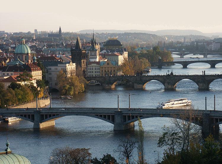 С начала года Прагу посетили почти 6 миллионов туристов. Вид на Карлов мост в Праге  Фото: Prague City Tourism  10 ноября 2018 года