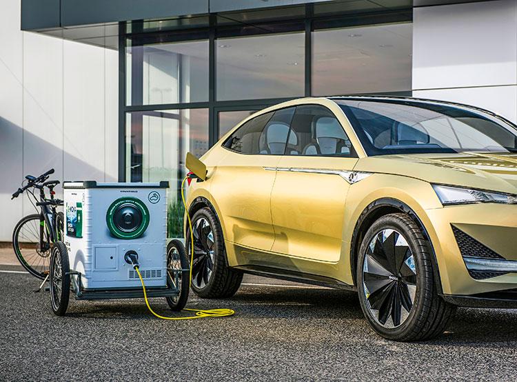 Škoda тестирует в Праге мобильную зарядку для электромобилей. Мобильная зарядная станция для электромобилей E-MONA. Фото пресс-службы ŠKODA AUTO DigiLab  14 ноября 2018