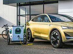 Škoda тестирует в Праге мобильную зарядку для электромобилей.  Мобильная зарядная станция для электромобилей E-MONA. Фото пресс-службы ŠKODA AUTO DigiLab.  14 ноября 2018