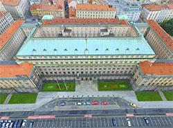 Министерство транспорта Чехии приглашает «порулить» дронами на дне открытых дверей.  Здание Министерства транспорта Чехии. Фото с официального сайта mdcr.cz.  16 ноября 2018