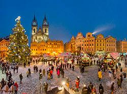 Рождественские ярмарки в Праге — 2018. График работы.  Рождественская ярмарка на Староместской площади в Праге.  Фото: CzechTourism.  16 ноября 2018