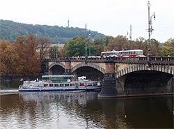 Мост в центре Праги на неделю закрыли для трамваев и автомобилей.  Мост Легионов в Праге. Фото Paljan84 [CC BY-SA 3.0 (https://creativecommons.org/licenses/by-sa/3.0)], from Wikimedia Commons.  19 ноября 2018
