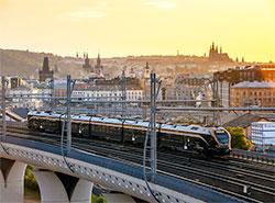 Скидки на проезд в поездах и автобусах за первый месяц обошлись Минтрансу Чехии в 463 млн крон.  Фото: Leo Express.  23 ноября 2018