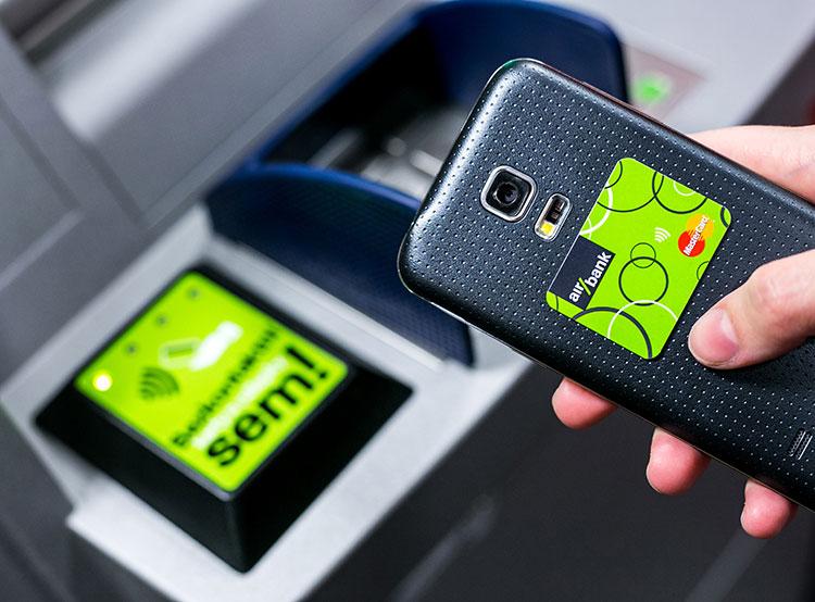 В Чехии реализована первая мгновенная транзакция между двумя банками. Фото пресс-службы Air Bank  29 ноября 2018 года