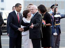 Мишель Обама вспомнила о том, что совсем забыла про Прагу. Чета Обама и Вацлав Клаус. Фото пресс-службы Пражского града  3 декабря 2018