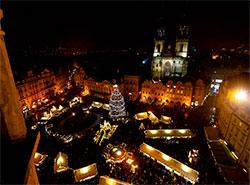 Черти и ангелы со всей Праги соберутся на Староместской площади. Ярмарка на Староместской площади в декабре 2018 года. Фото из фейсбука Trhy Praha/Prague Markets  4 декабря 2018