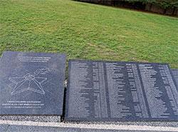 В Карловарском крае открыли мемориал с именами 2455 советских военнопленных. Мемориальные плиты в Соколове. Фото: Посольство России в Чехии  5 декабря 2018