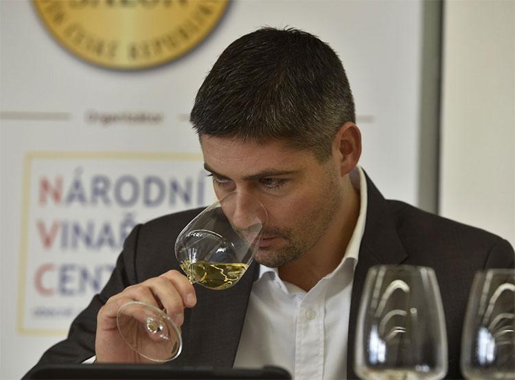 Чешские виноделы выбрали лучшее вино 2019 года.  Конкурс Салона вин. Фото Национального центра виноделия Чехии.  16 декабря 2018