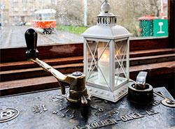 Исторический трамвай снова будет развозить Вифлеемский огонь по Праге. Фото Petr Hejna, DPP  20 декабря 2018