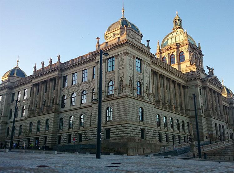 Национальный музей в Праге за два месяца посетили 200 тысяч человек. Историческое здание после реконструкции. Fotoarchiv Národního muzea  20 декабря 2018 года