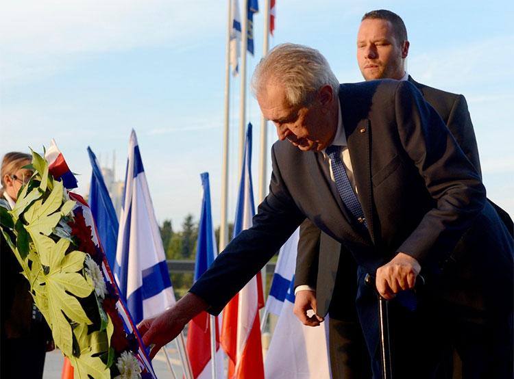 Уровень доверия президенту Чехии достиг 55%. Президент Чехии Милош Земан  22 декабря 2018 года