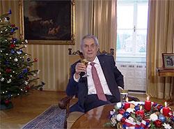Президент Чехии в рождественском обращении рассказал об «истерических волнах» и горе-советчиках. Президент Чехии Милош Земан. Кадр из рождественского телеобращения  26 декабря 2018