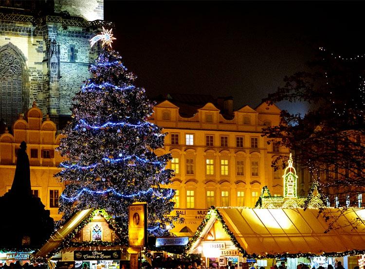 31 декабря на Староместской площади состоится танцевальная вечеринка. Фото trhypraha.cz  26 декабря 2018 года