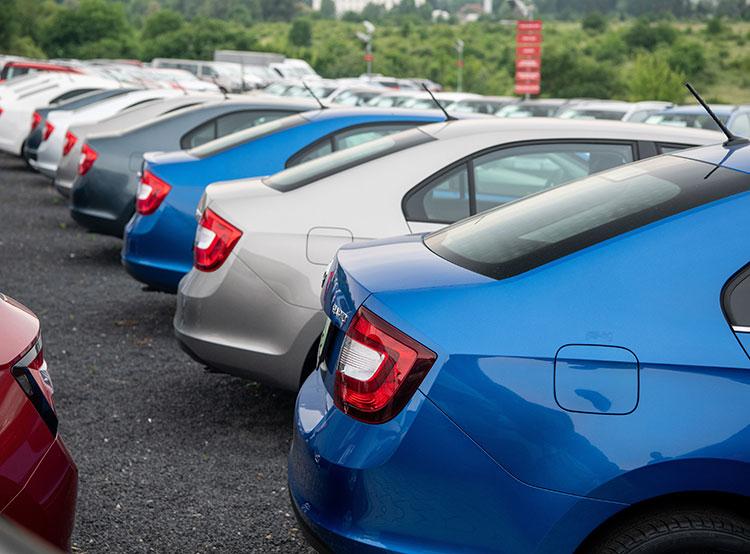 Жители Чехии стали покупать больше подержанных машин и меньше новых. Фото Škoda Auto  9 января 2019 года