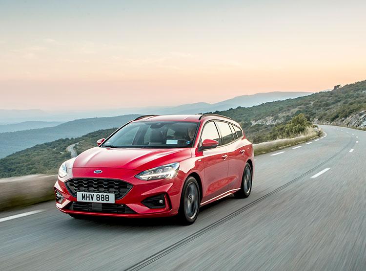 Ford Focus в четвертый раз признан в Чехии автомобилем года. Новый  Ford Focus ST-Line. Фото Ford  9 января 2019 года