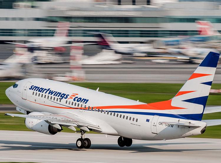 Вылетавший в Прагу самолет выкатился в Шереметьево за пределы взлетно-посадочной полосы. Самолет авиакомпании Smart Wings. Фото Travel Service  13 января 2019 года
