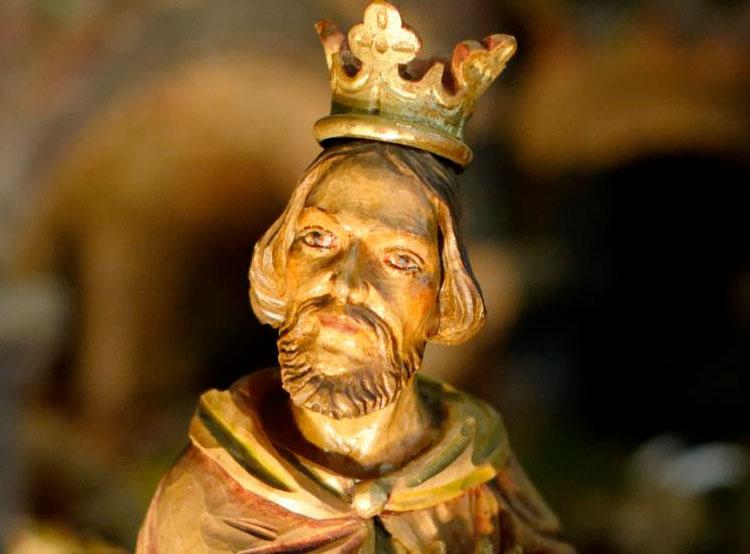 Из исторического вертепа в костеле Градца-Кралове украли шесть фигур. Одна из украденных из чешского вертепа фигурок  Фото: Policie ČR  14 января 2019 года