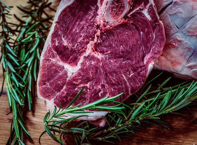 Пражские рестораны обвинили в продаже польской говядины под видом аргентинских стейков. Посетителям пражских ресторанов могли подавать польские стейки под видом аргентинских. Фото pixabay.com  6 февраля 2019 года