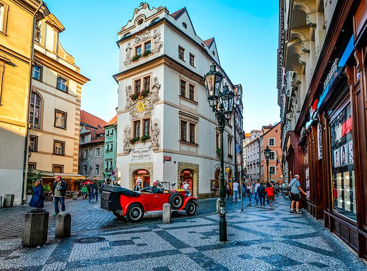 Чехия четвертый квартал подряд теряет туристов из России. Отели Чехии установили исторический рекорд. Фото pixabay.com  7 февраля 2019 года