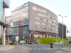 Microsoft открывает в Праге бесплатный коворкинг для стартапов. Офис Microsoft в Праге. Czech Wikipedia user Packa [CC BY-SA 2.5 (https://creativecommons.org/licenses/by-sa/2.5)], from Wikimedia Commons 