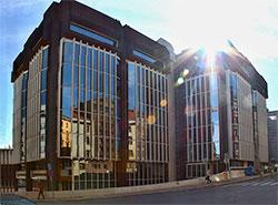 Власти Праги пытаются спасти здание Трансгаза от сноса.  Здание Трансгаза в Праге. VitVit [CC BY-SA 4.0 (https://creativecommons.org/licenses/by-sa/4.0)].  20 февраля 2019