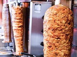 80-летний дзюдоист шокировал неопрятного любителя шаурмы.  Мясо для кебаба. Photo by PicFoods.com from Pexels.  22 февраля 2019
