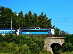 Чешские ж/д перевозчики за год потратили на компенсации за опоздания почти 10 млн крон.  Поезд Чешских железных дорог. Фото Pexels.com.  25 февраля 2019