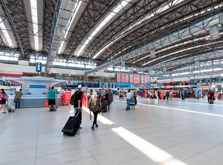 В общедоступных зонах аэропорта Праги установят 45 видеокамер с распознаванием лиц. Пражский аэропорт имени Вацлава Гавела  Фото: Аэропорт Вацлава Гавела  4 марта 2019 года
