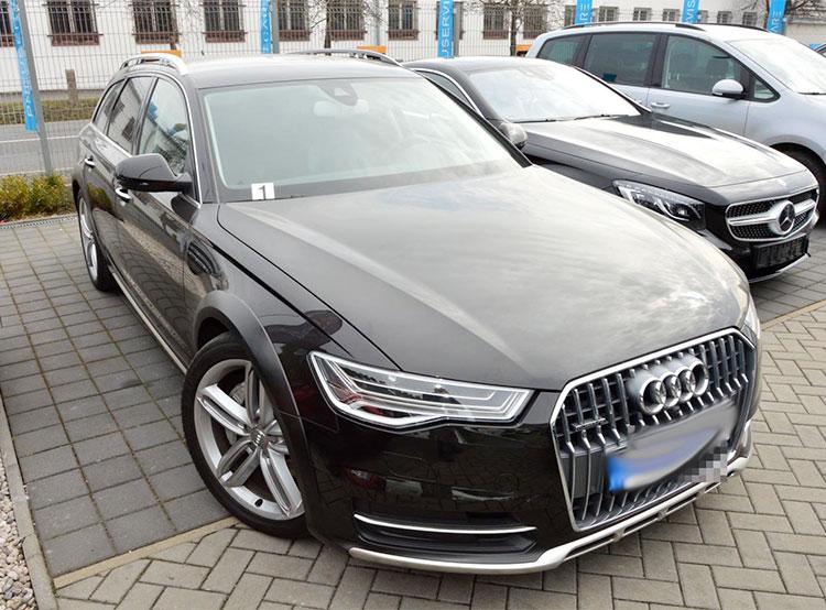 Чешская банда ввезла из Германии 359 автомобилей на продажу и недоплатила налогов на 40 млн крон. Некоторый из конфискованных автомобилей  Фото: Policie ČR  7 марта 2019 года