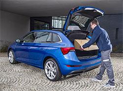 Интернет-магазины Alza и Rohlík доставят заказы прямо в багажники автомобилей Škoda. Доставлять посылки смогут прямо в багажник. Фото пресс-службы Škoda Auto   14 марта 2019