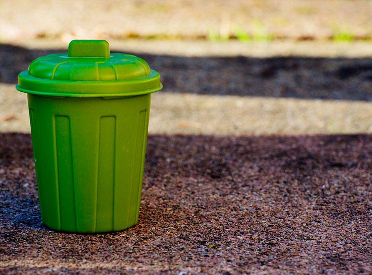В Праге могут построить предприятие для переработки мусора в биогаз. Мусорный бак. Image by Alexas_Fotos from Pixabay   25 марта 2019 года