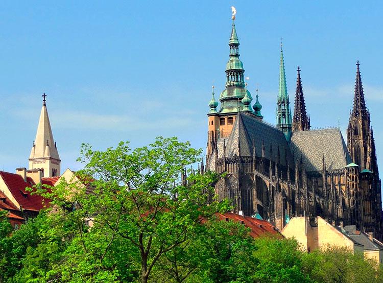 Синоптики обещали Чехии прохладное начало апреля и +24°C на Пасху. Апрель в Чехии будет в пределах климатической нормы. Фото Jan Blanicky from Pixabay   31 марта 2019 года