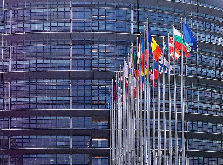 На каждое кресло в Европарламенте претендует по 40 чешских кандидатов. Здание Европейского парламента в Страсбурге. Image by Erich Westendarp from Pixabay  9 апреля 2019 года