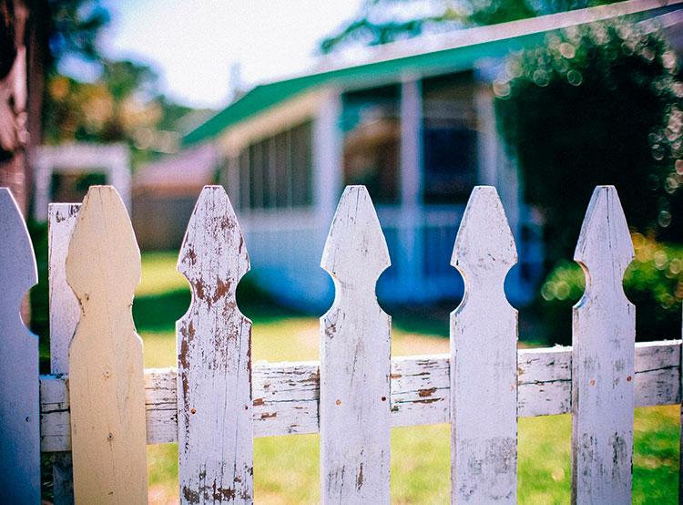 Чехи рассказали о том, с кем не хотели бы жить по соседству. Чехи привередливы в выборе соседей. Image by PublicDomainArchive from Pixabay   10 апреля 2019