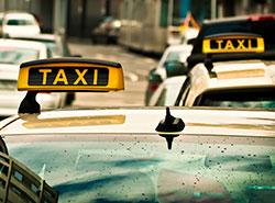 Пражский таксист завысил цену поездки в 16 раз. Пражский таксист обсчитал туриста. Фото Michael Gaida from Pixabay   2 мая 2019